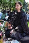 """Заклет фен на """"Хари Потър"""", член на фен клуба, дойде облечен в черна мантия, в унисон с любимия си герой. Снимки: авторката"""