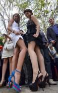 """Май 2011 г. Абитуриентки в двора на Математическата гимназия """"Д-р Петър Берон"""" във Варна. Снимка: Impact Press Group"""