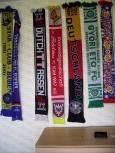Колекцията с шалчета на футболни клубове в стаята на Лъчо. Снимки: авторката