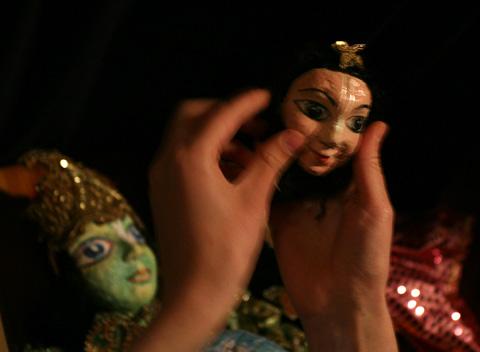 Куклите, които участваха в кукления театър на празника. Снимка: Валентина Петрова