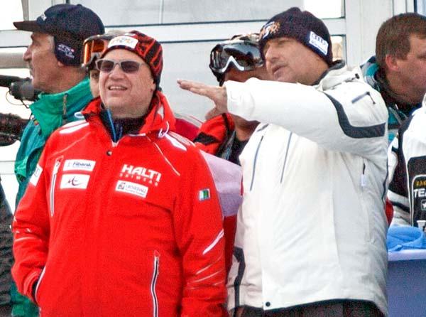 Премиерът Борисов и шефът на Първа инвестиционна банка Цеко Минев в Банско, 19 февруари 2012 г. Цеко е и председател на Федерацията по ски, и банката му седи зад фирмата собственик на курорта Банско и ски пистите и съоръженията на Витоша. Снимка: Булфото