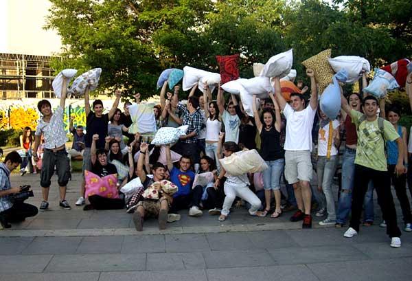 Снимка за спомен на финала на боя пред НДК. Снимки: авторката
