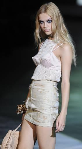 """Новата колекция на """"Just Cavalli"""" пролет-лято 2010 за жени по време на Седмица на модата в Милано. Снимка: Ройтерс"""
