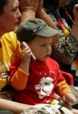 Дете носи тениска с лика на Че Гевара във Валегранде. Снимка: Ройтерс