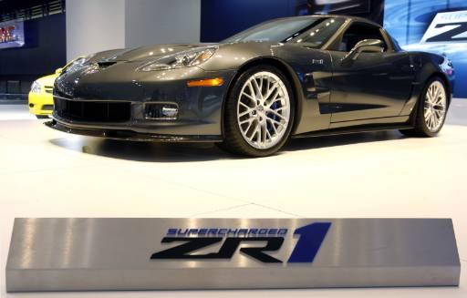 """Новият """"Шевролет"""" Corvette ZR1 на автомобилното изложение в Детройт. Снимка: Ройтерс"""