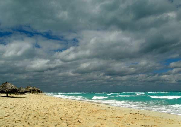 Изумруденото море на остров Санта Мария. Снимки: авторът