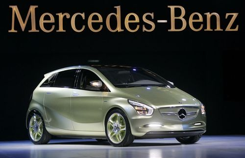 Mercedes -Benz Blue Zero E-cell e представен на автоизложението в Детройт. Снимка: Ройтерс