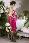 """Модел от колекцията висша мода есен-зима 2009-2010 на Джон Галиано за френската модна къща """"Диор"""" в Париж. Снимка: Ройтерс"""