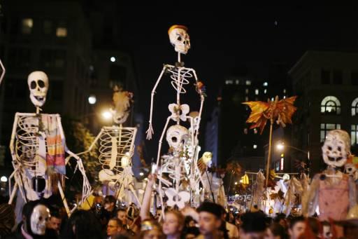 В квартала Гринич вилидж в Ню Йорк се проведе традиционният парад за Хелоуин. Снимка: Ройтерс