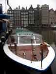 Корабче за разходка на туристите в Амстердам. Снимки: авторката