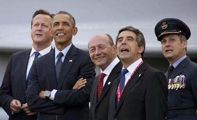 Президентът с бадж