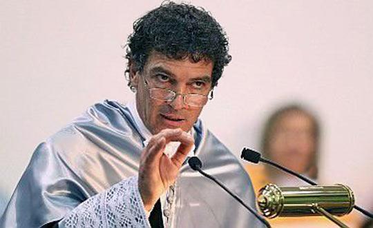 Бандерас - почетен доктор на университета в Малага
