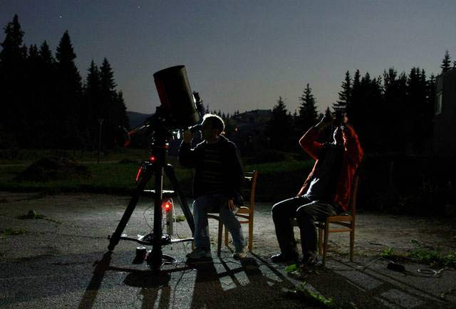 Астрономи следят Леонидите