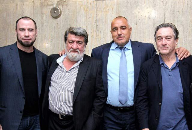 Премиер и министър на вечеря с Траволта и Де Ниро