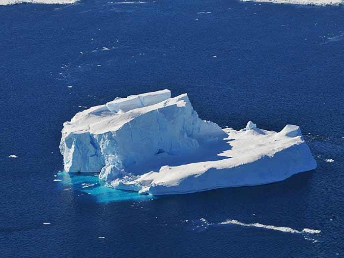 НАСА проучва ледовете в Антарктика
