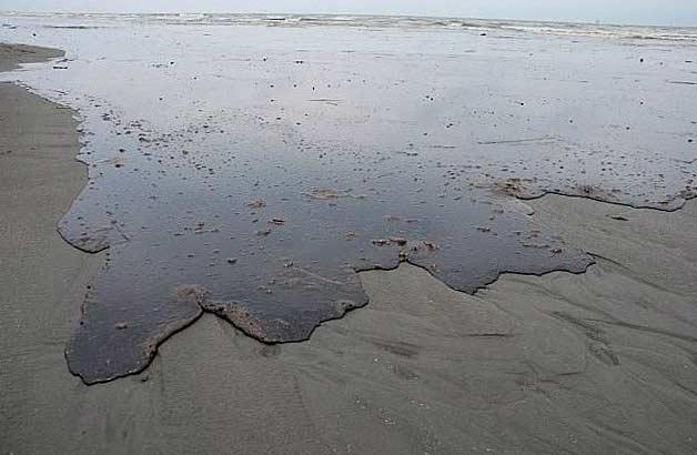 Петрол залива брега на Луизиана