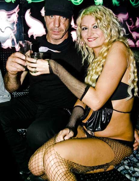 Рамщайн в чалга клуб в София