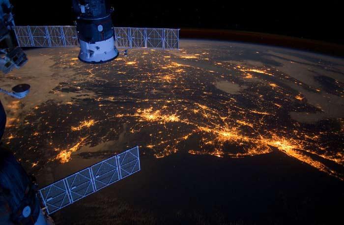 Ню Йорк и Вашингтон нощем от космоса