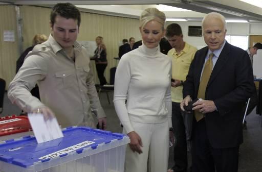 Семейството на Маккейн гласува