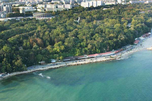 Какво става с Морската градина във Варна