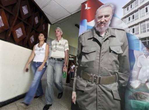 Фидел Кастро става на 83 години