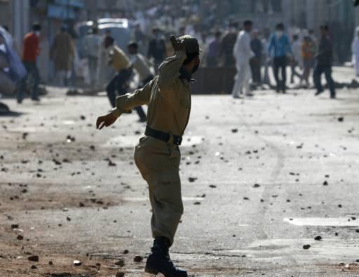 Полицията срещу кашмирски сепаратисти