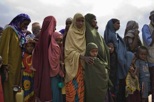 Сомалийски бежанци търсят подслон в Кения
