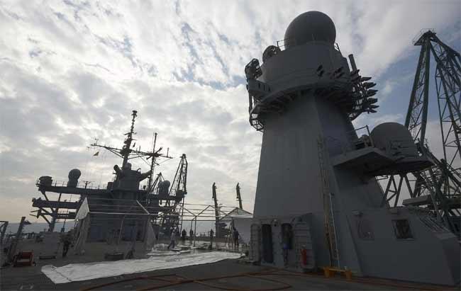 Американският военен кораб Маунт Уитни пристигна във Варна