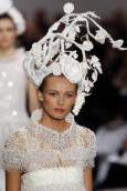 """Колекция висша мода пролет-лято 2009 на Карл Лагерфелд за модна къща """"Шанел"""". Снимка: Ройтерс"""