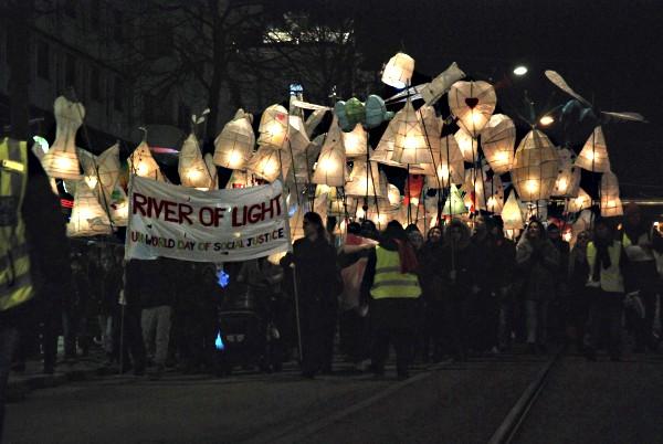 Маршът Река от светлина в Гьотеборг. Снимка: Виктория Атанасова