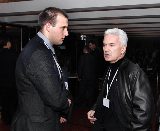 Волен Сидеров (вдясно) и Димитър Стоянов в НДК в изборната нощ. Снима: Булфото