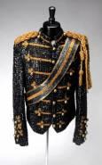 Поръчково сако на поп иконата Майкъл Джексън. Снимка: Ройтерс