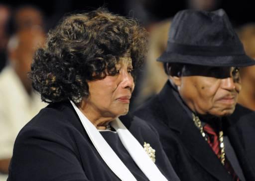 Родителите на Майкъл - Катрин и Джо Джексън тъгуват за сина си. Снимка: Ройтерс