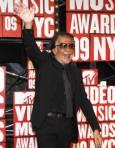 Модният дизайнер Роберто Кавали пристига на връчването на наградите на MTV в Ню Йорк. Снимка: Ройтерс