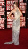Тейлър Суифт пристига на наградите на MTV в Ню Йорк. Снимка: Ройтерс