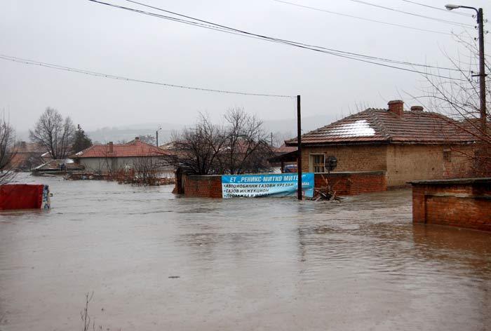 Наводнението в село Бисер край Харманли в неделя, 5 февруари. Снимка: Иван Атанасов, Impact Press Group