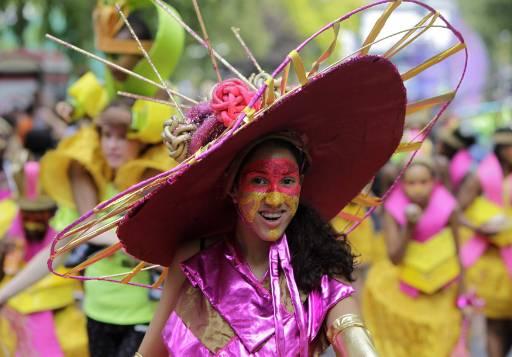 Танцьорка на годишния карнавал