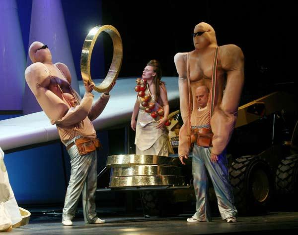 """Сцена от премиерния спектакъл на операта """"Рейнско злато"""" от Рихард Вагнер в Софийската опера. Снимки: Виктор Викторов, Софийска опера"""
