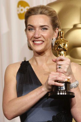 Кейт Уинслет бе обявена за най-добра актриса за ролята на Хана Шмитц във филма