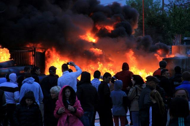 Снимки на пожара във Враца вечерта на 1 май от местния вестник