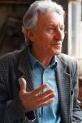 Йордан Радичков в ателието на скулптора Георги Чапкънов. Снимка: Иван Бакалов