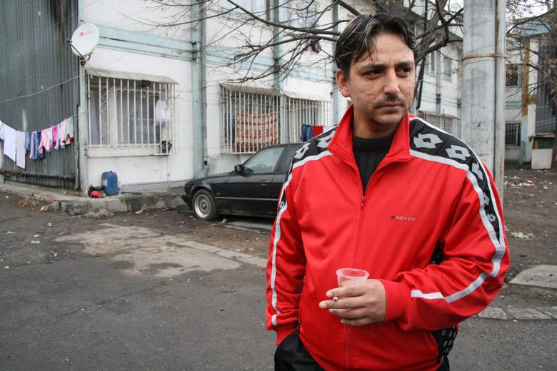 34-годишният Димитър Асенов живее тук от 12 години. Снимка: авторката