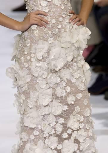 Колекция висша мода есен-зима 2009-2010 на ливанския дизайнер Ели Сааб на прегледа на модата в Париж. Снимка: Ройтерс