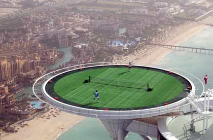 Замъкът на професор Уейн Dubai-tennis