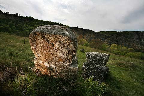 Това гробище край Нисово, което местните наричат