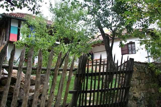 Къщата на откривателя на бактерията на българското кисело мляко д-р Стамен Григоров в с. Студен извор. Снимки: e-vestnik