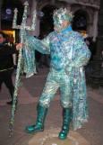 Участник в карнавала в ролята на древногръцкия Бог на морето Посейдон. Снимки: Светослава Банчева