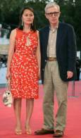 Режисьорът Уди Алън зедно със съпругата си Сун-и. Снимка: Ройтерс
