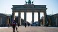 В хода на пандемията звездата на Меркел и партията ѝ помръква