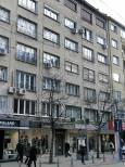 """Бул. """"Витоша"""" - тежки сгради лежат върху тавана на магазини, на чиято фасада не е останала една тухла. Снимка: e-vestnik"""